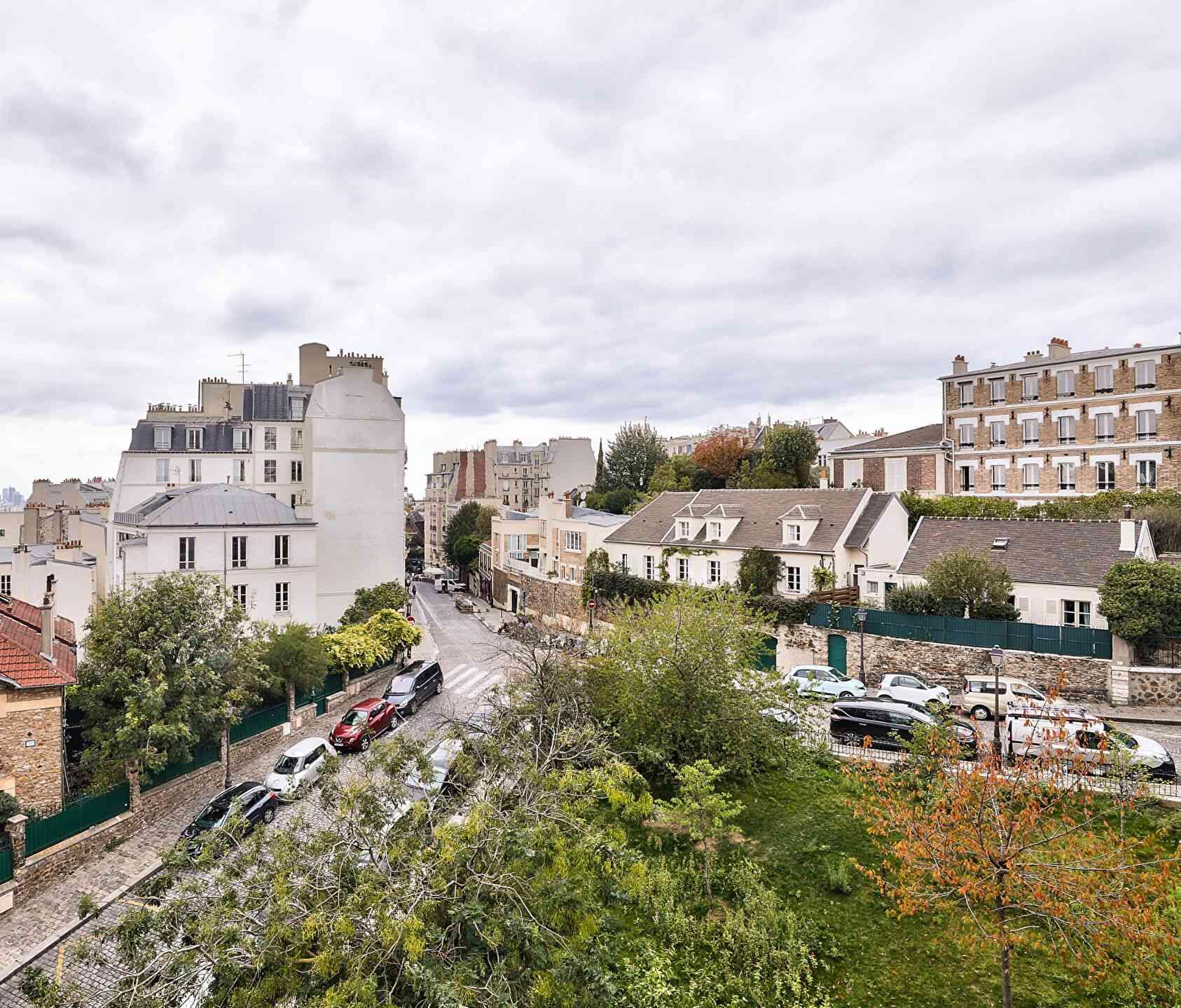 Rare à Montmartre, superbe appartement en étage élevé avec ascenseur et vues dégagées ! 8