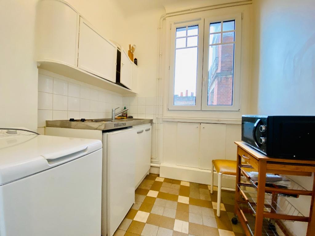 Furnished studio with elevator – 22m² – Montmartre – Paris 18th 5