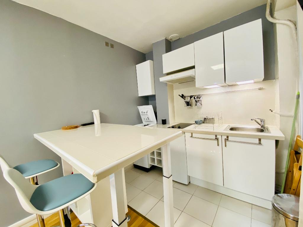 Furnished Apartment Paris 2 Room (s) 30 m2 4