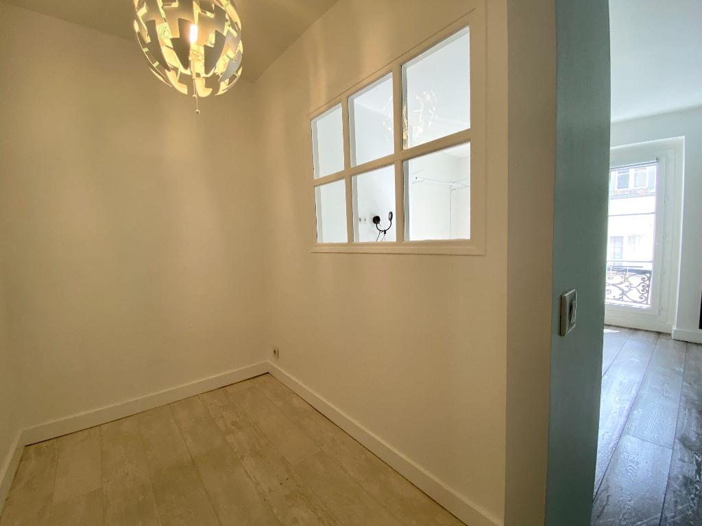 Apartment Paris 2 Room (s) 47 m2 6