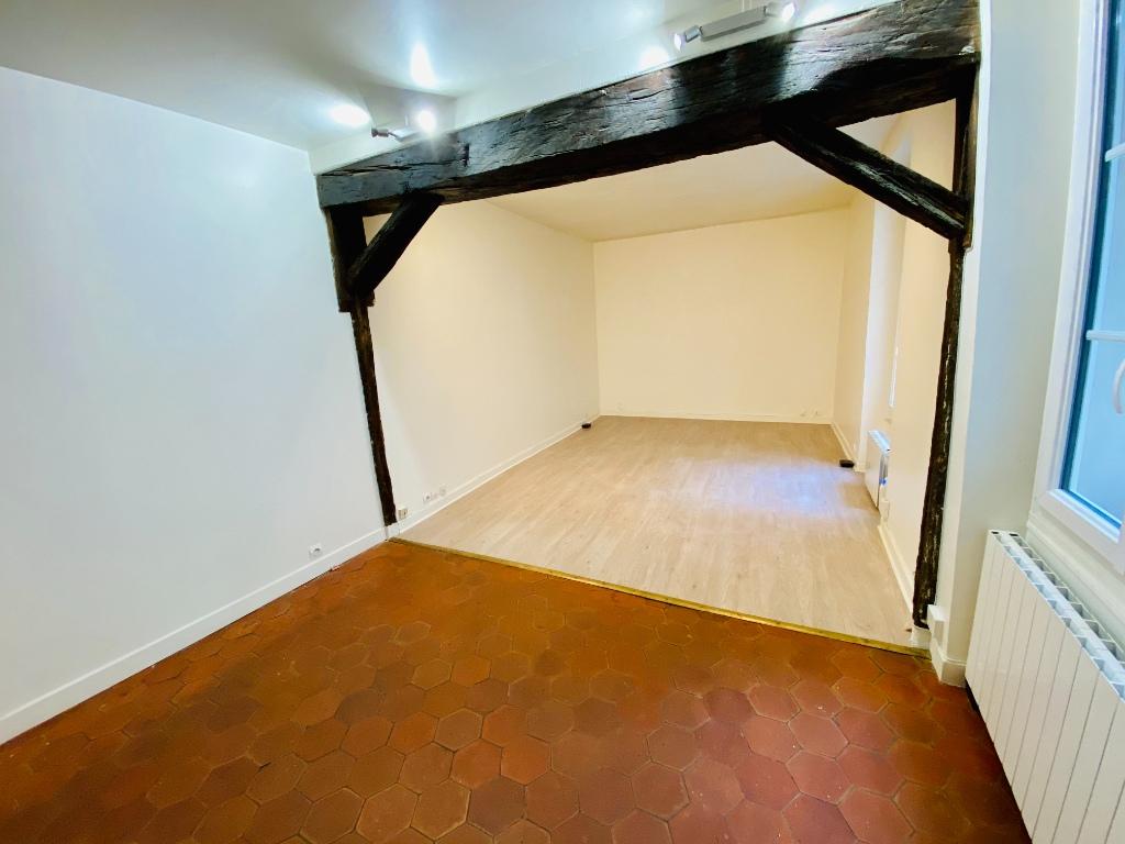 Montmartre – 1 piece empty – 33 m2 1