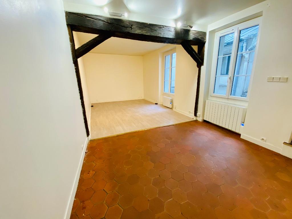 Montmartre – 1 pièce vide – 33 m2 5