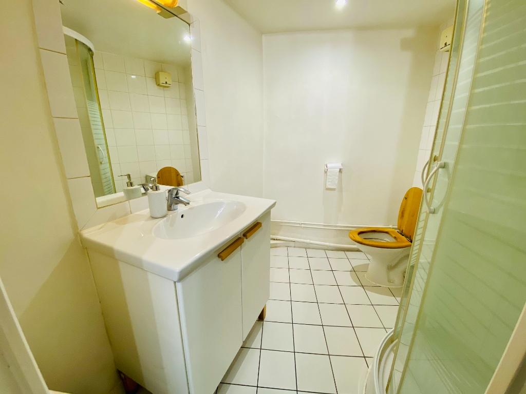 Montmartre – 1 pièce vide – 33 m2 6
