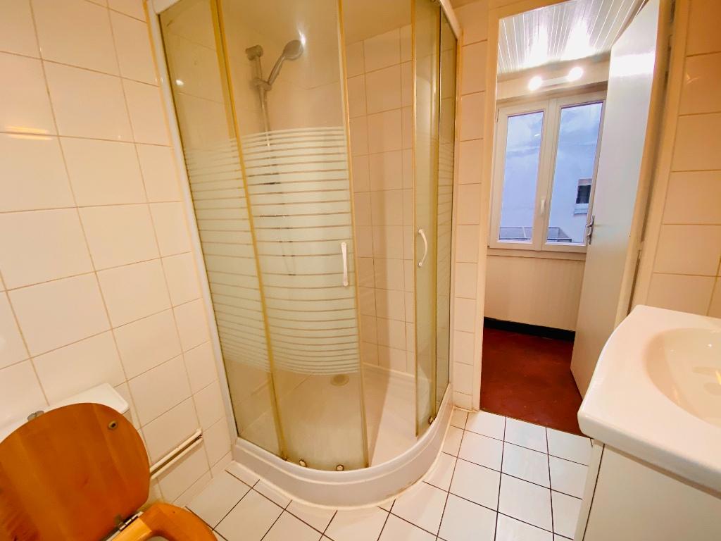 Montmartre – 1 pièce vide – 33 m2 7