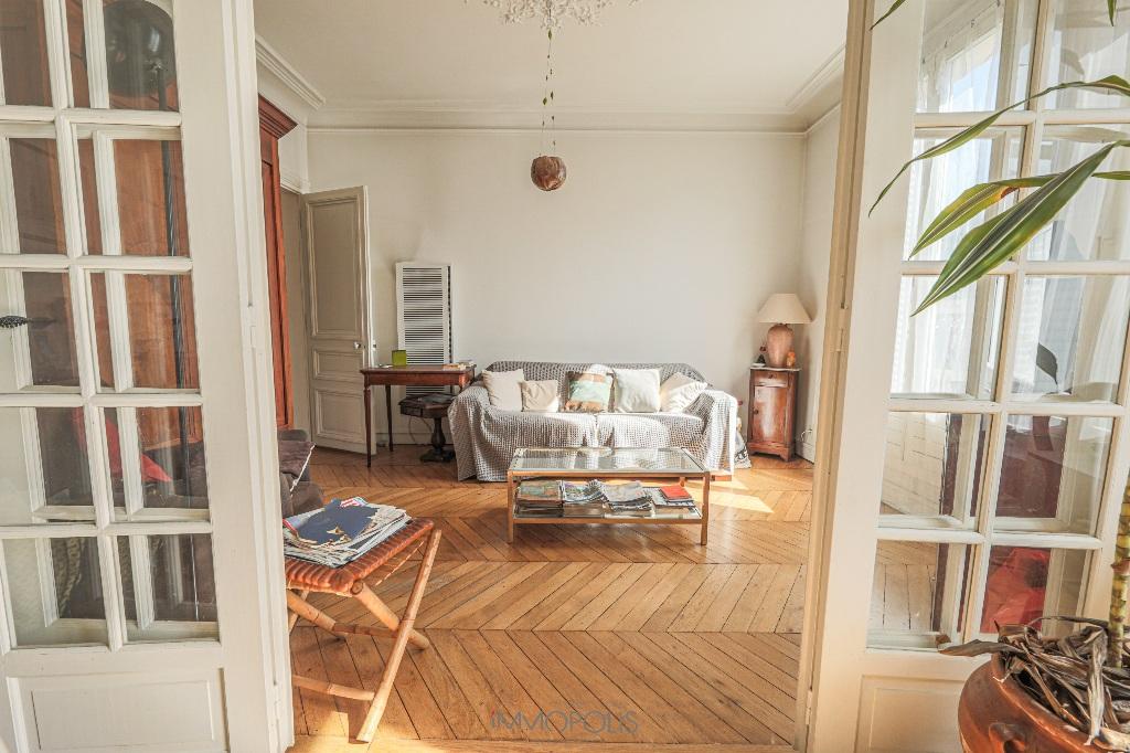 Paris 2/3 apartment (s) 54 m2 with balcony 2
