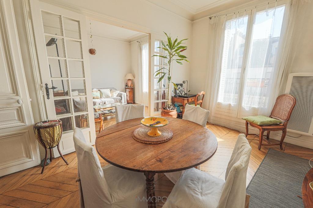 Paris 2/3 apartment (s) 54 m2 with balcony 3