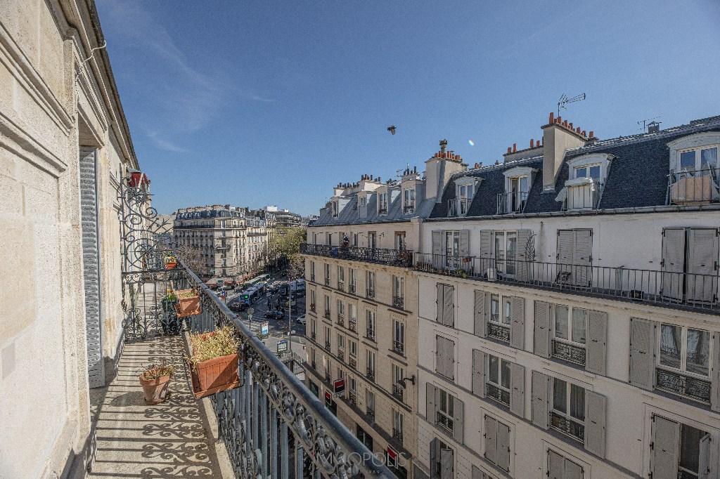 Paris 2/3 apartment (s) 54 m2 with balcony 7