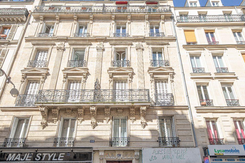 Paris 2/3 apartment (s) 54 m2 with balcony 8
