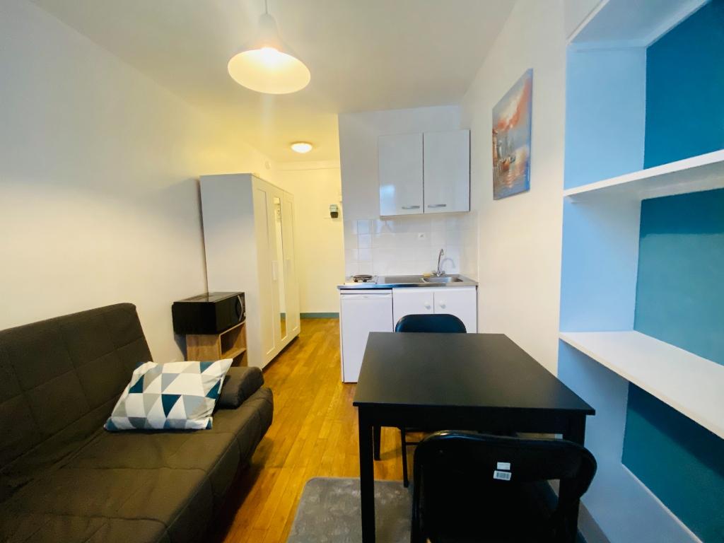 Apartment Paris 18 – 1 piece (s) – 13 m2 4
