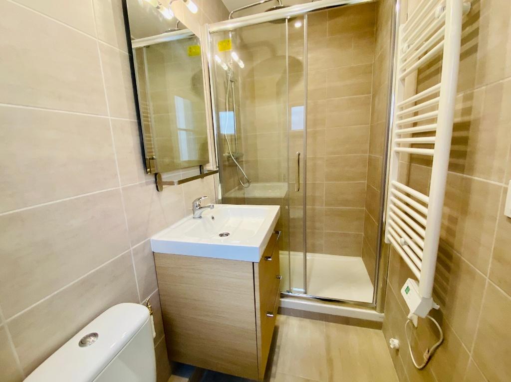 2 rooms furnished Montmartre 8