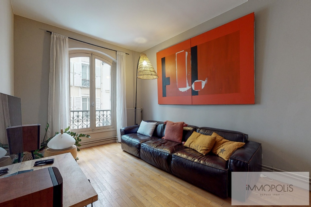 Charming apartment in the heart of Abbesses. 1