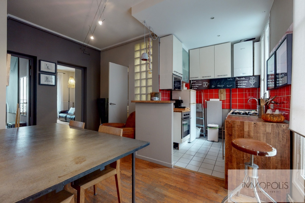 Charming apartment in the heart of Abbesses. 2