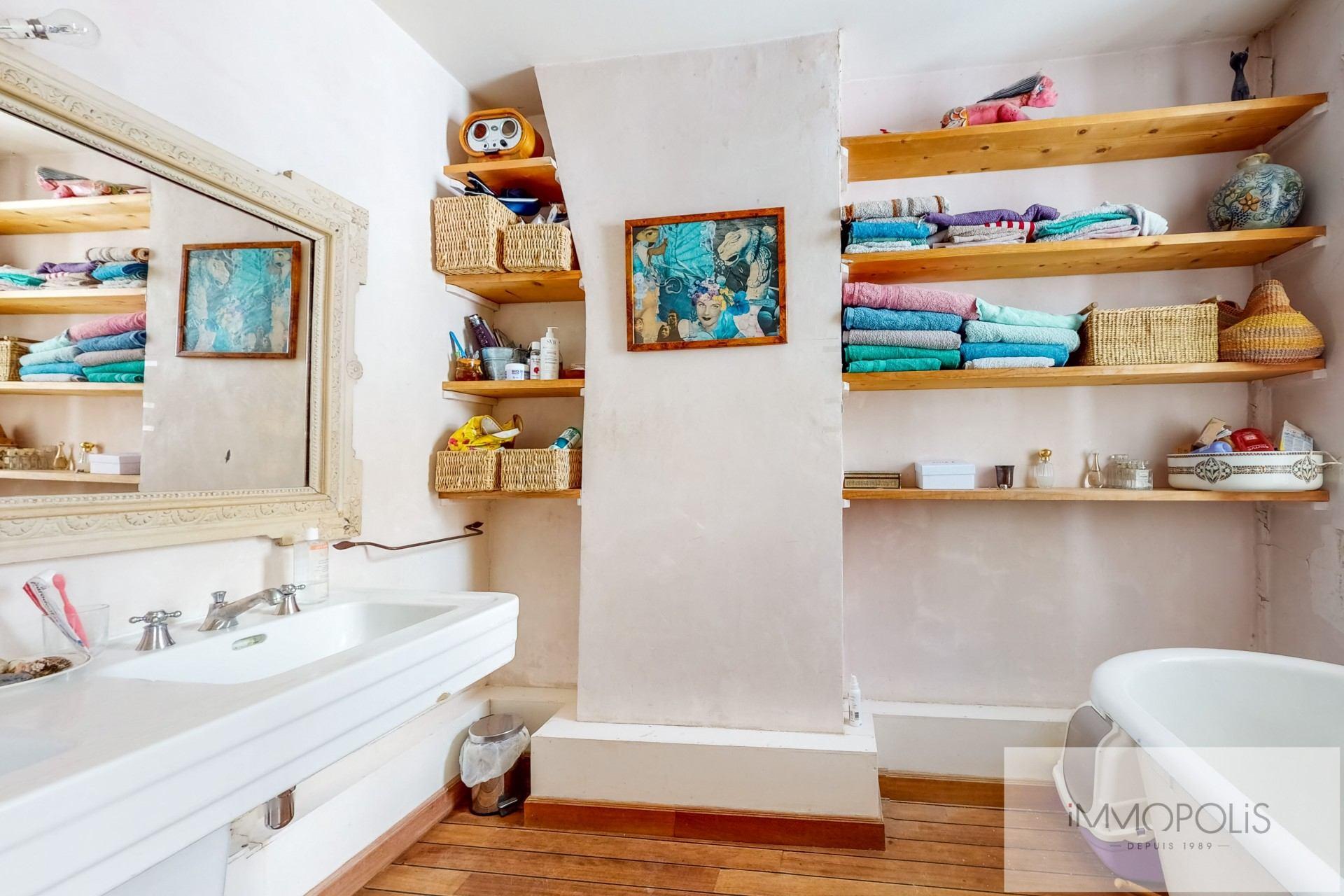 Appartement atypique à rénover, plein de charme, Rue Richard Lenoir – Paris XIème. 9