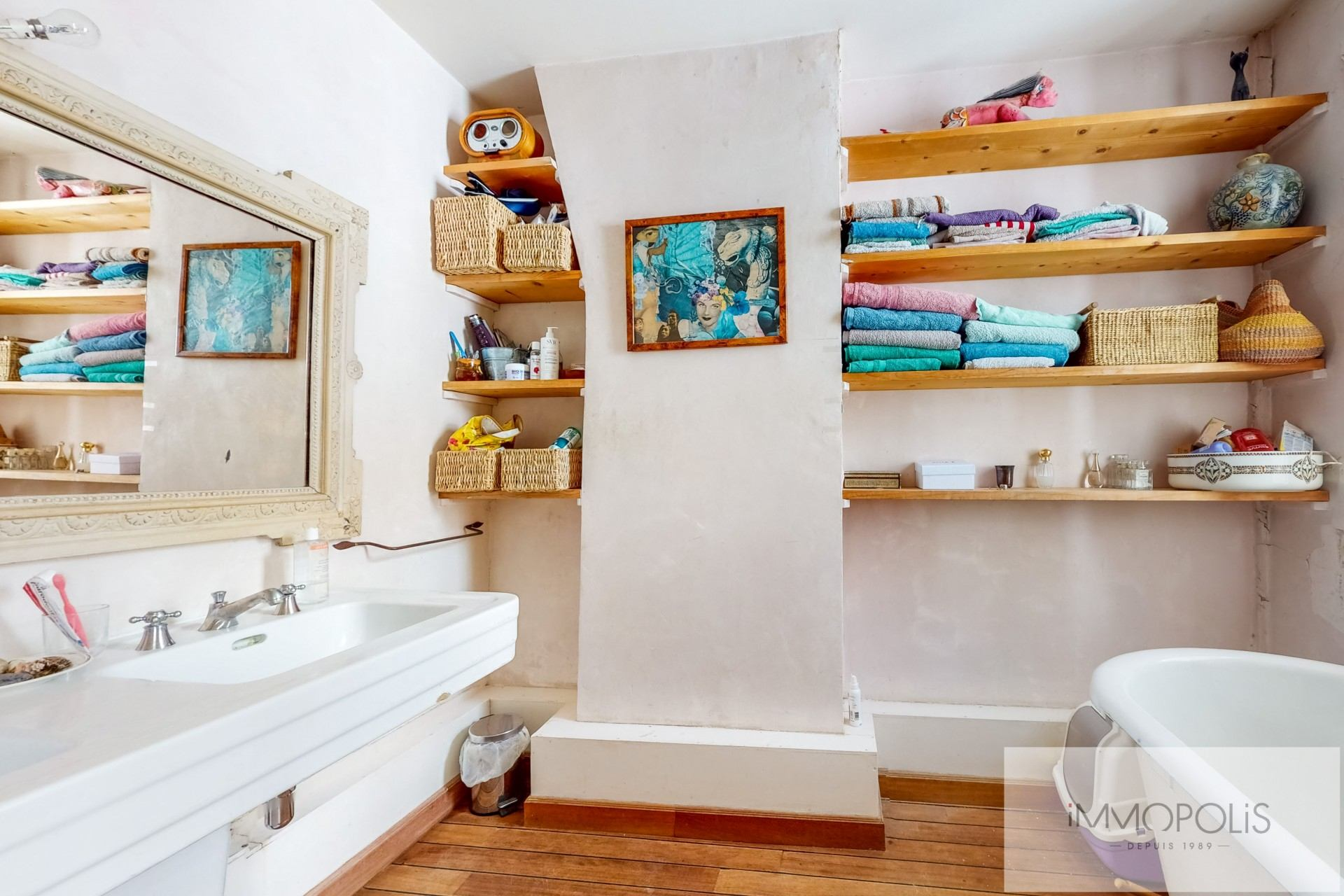 Atypical apartment to renovate, full of charm, rue Richard Lenoir – Paris XIth. 9
