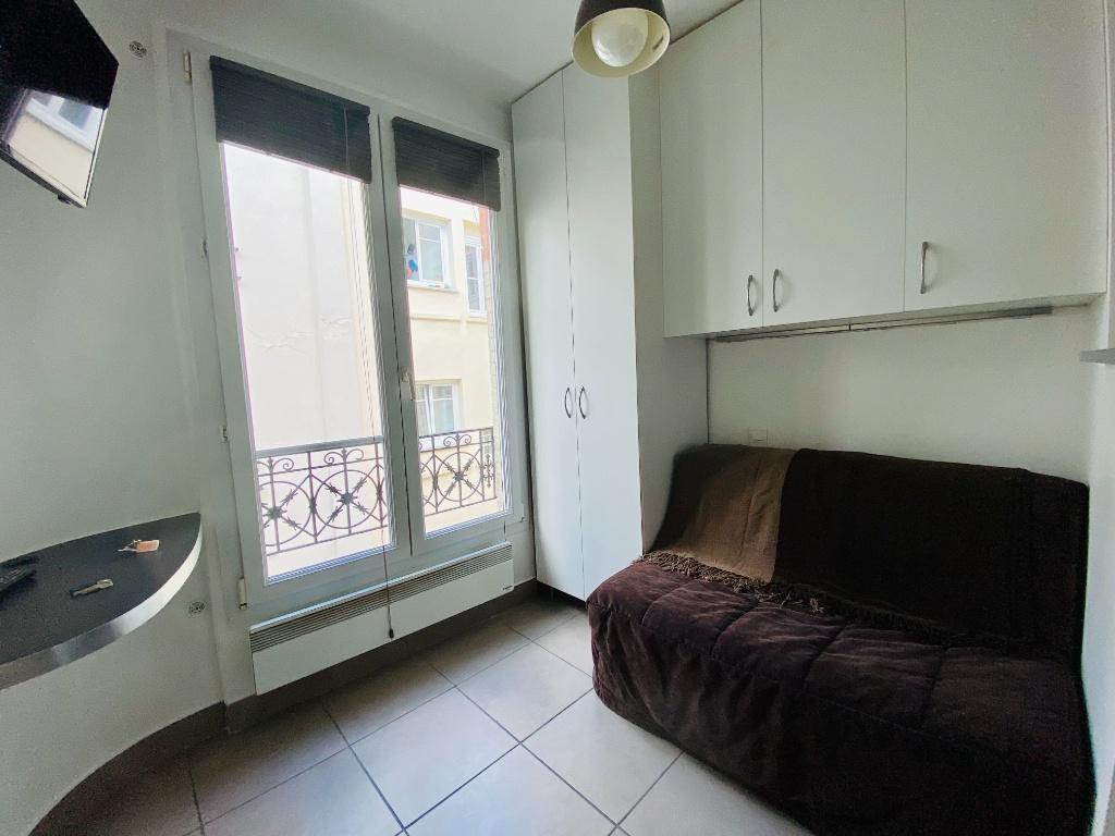 Studio aux Abbesses – PARIS 18ème – 14.31 m2 3
