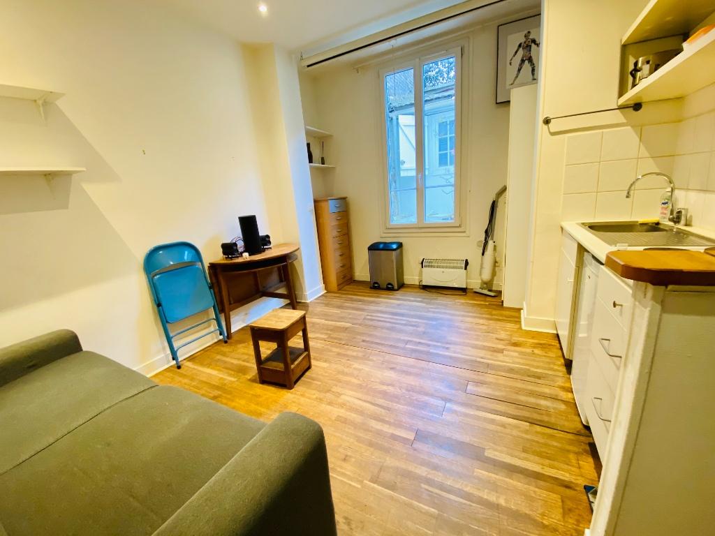 Apartment Paris 18 – 1 piece (s) – 18 m2 3