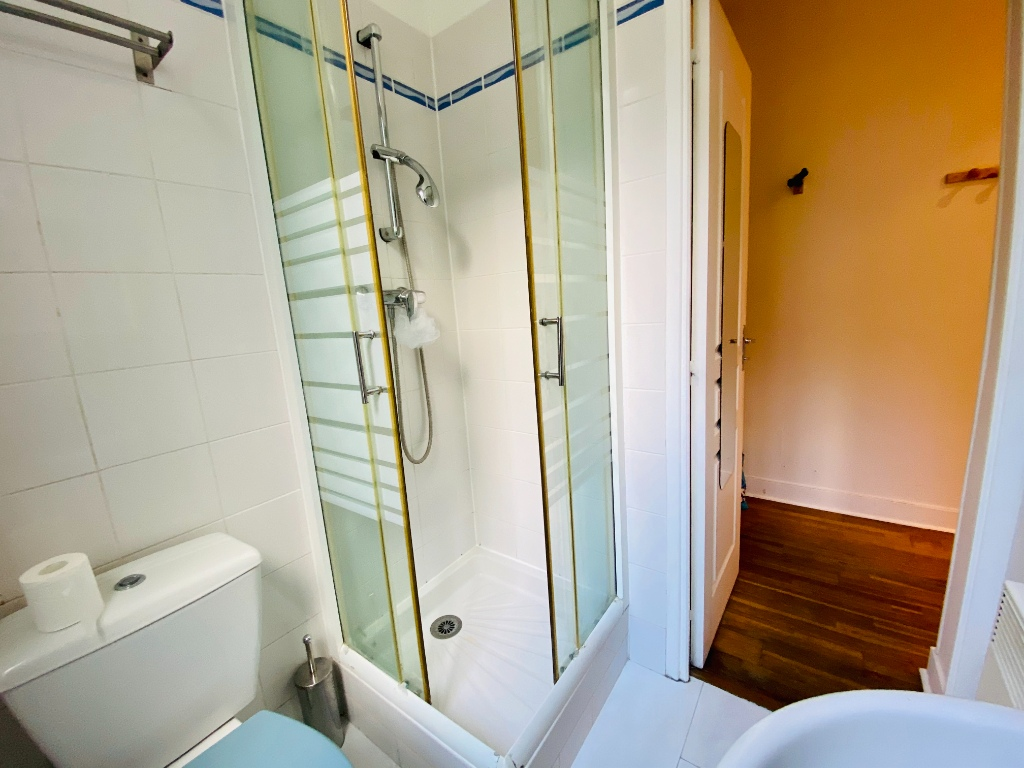 Apartment Paris 18 – 1 piece (s) – 18 m2 6