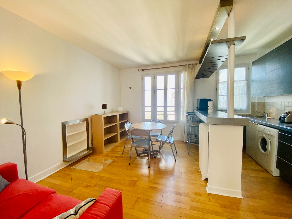 Two rooms furnished – exceptional area in the heart of Montmartre 1
