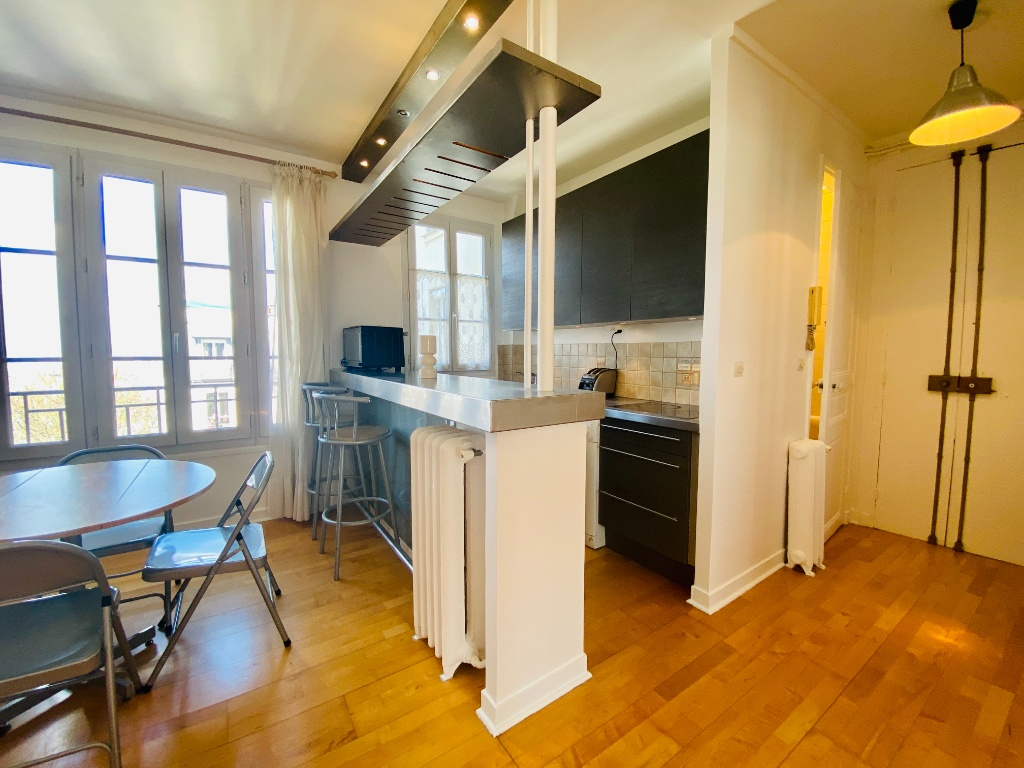 Two rooms furnished – exceptional area in the heart of Montmartre 5