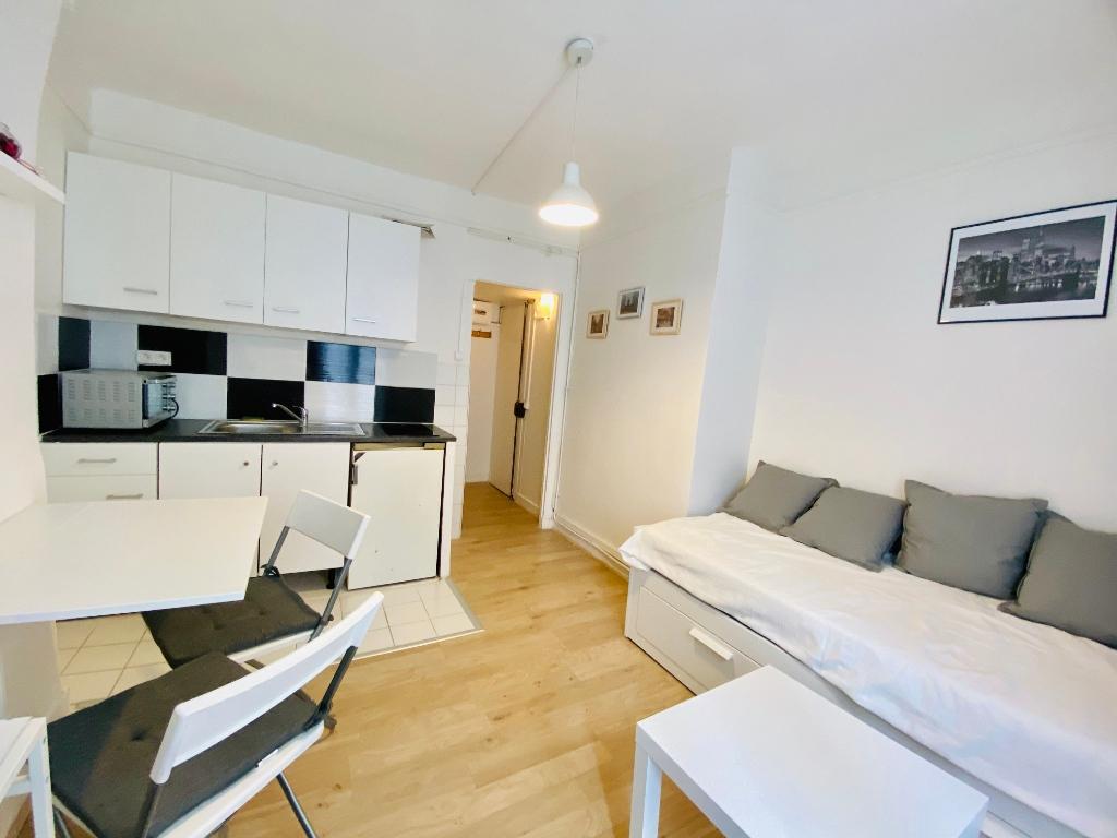 Appartement PARIS 18 ème – 1 pièce(s) – 16 m2 2