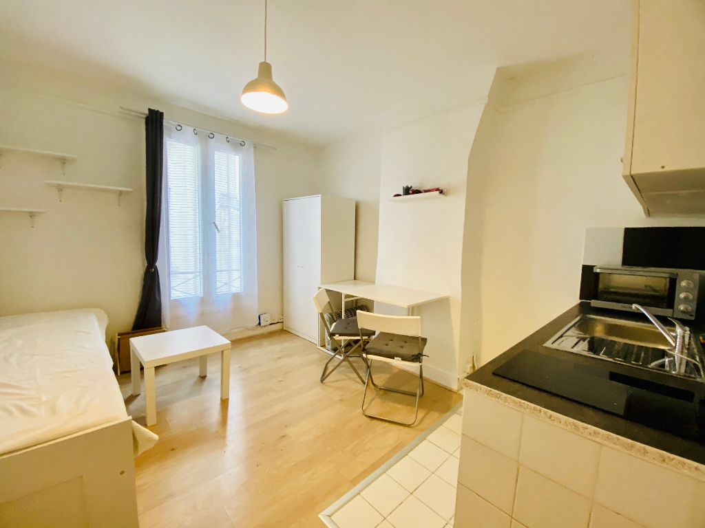 Appartement PARIS 18 ème – 1 pièce(s) – 16 m2 4