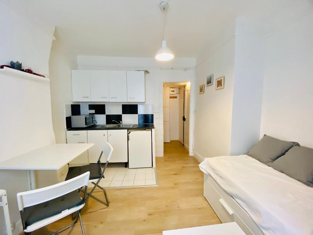 Appartement PARIS 18 ème – 1 pièce(s) – 16 m2 6