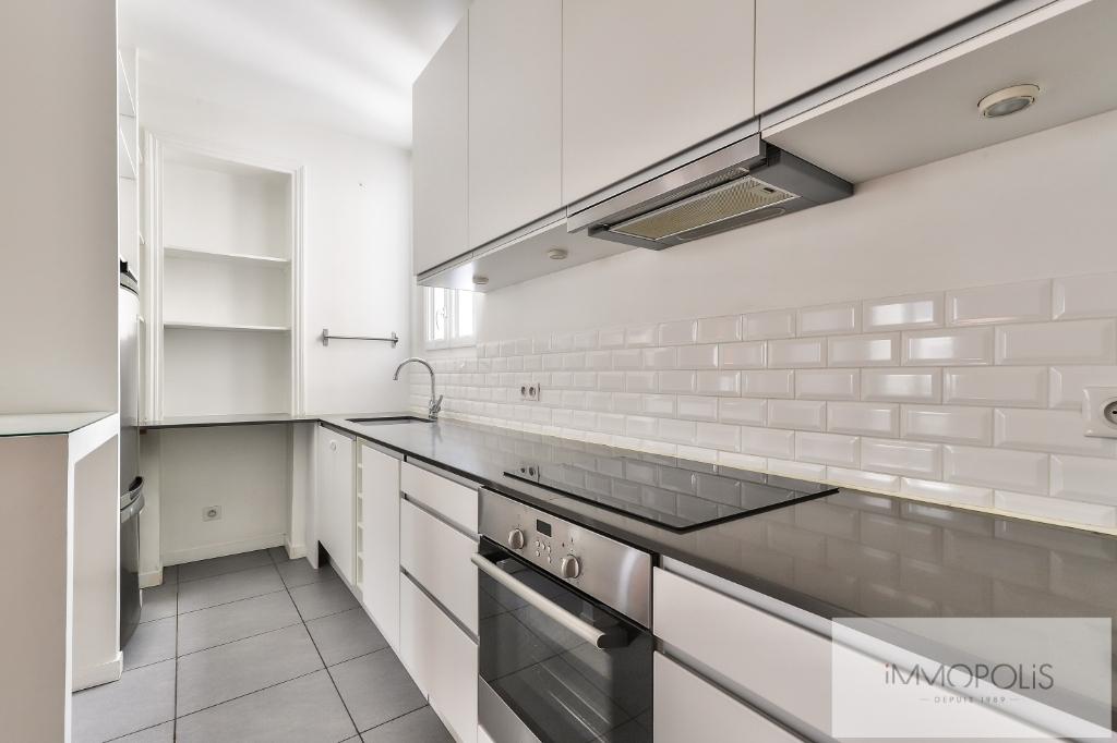 Métro CADET – 3 pièce(s) 67 m² de CARACTERE 3
