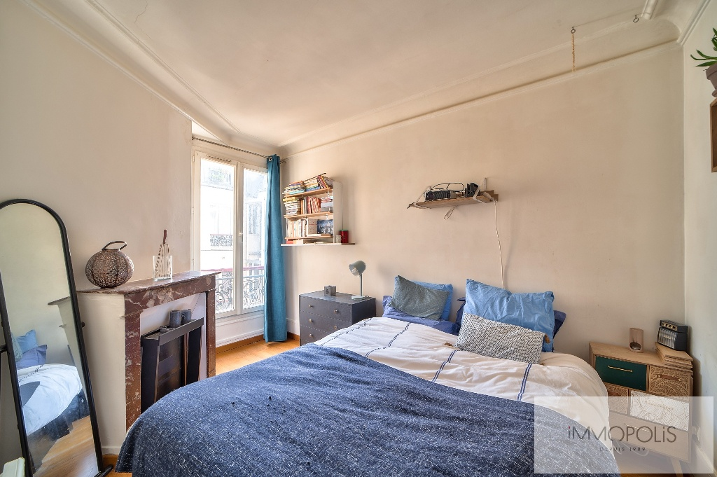 Beautiful 2 rooms at Abbesses with unobstructed view! 6