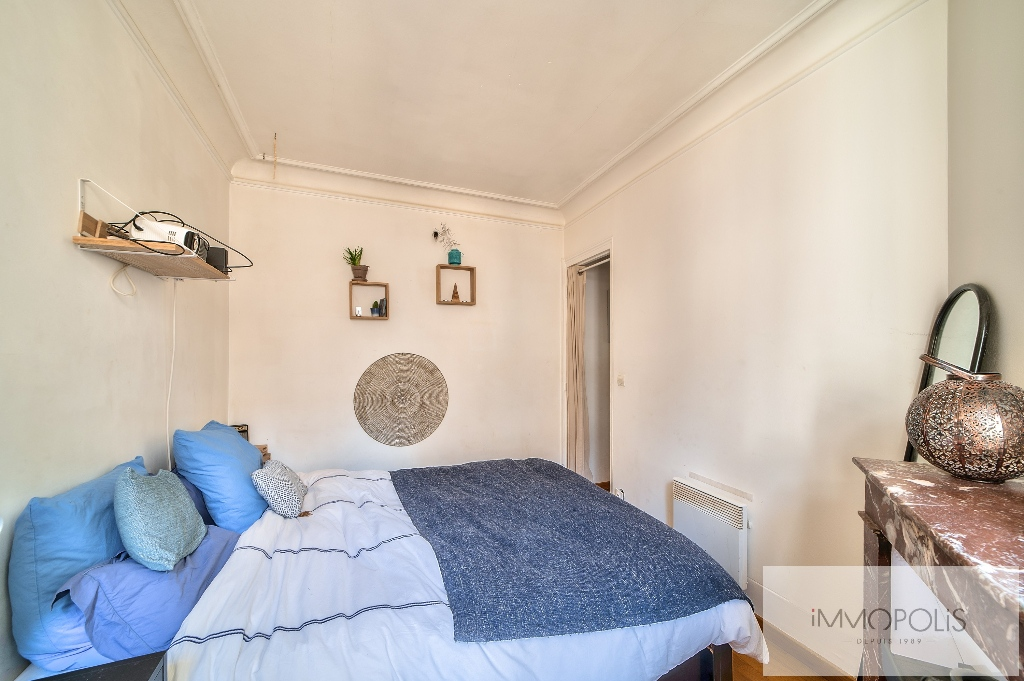 Beautiful 2 rooms at Abbesses with unobstructed view! 7