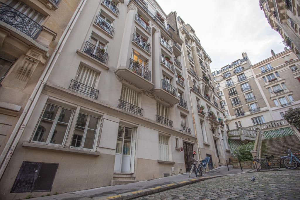 Appartement «esprit loft» quartier Lamarck Caulaincourt 8