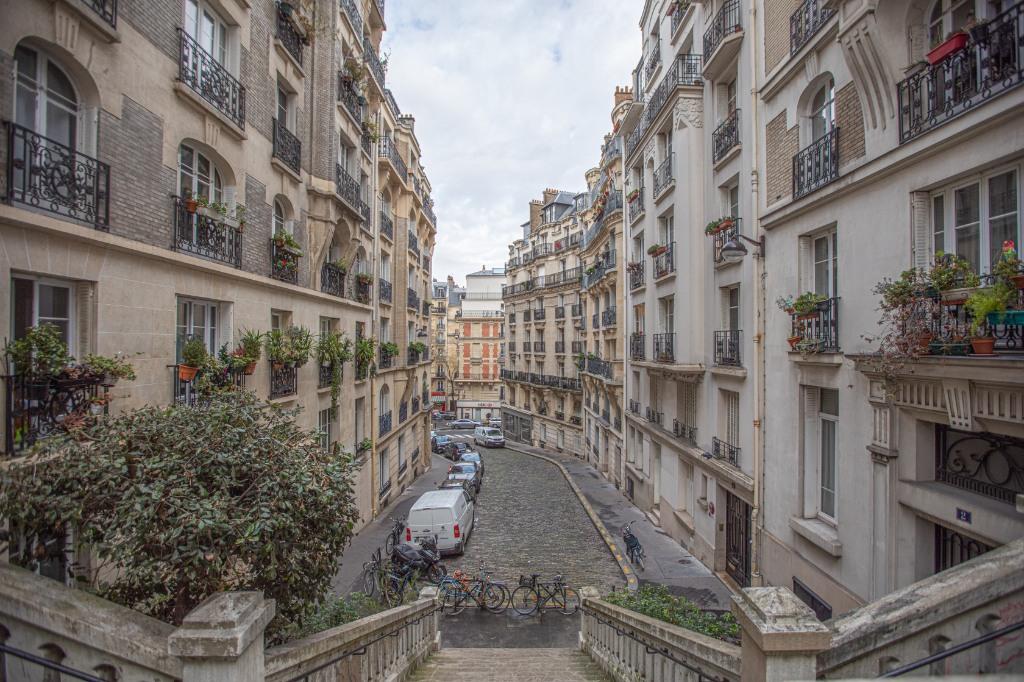 Appartement «esprit loft» quartier Lamarck Caulaincourt 9