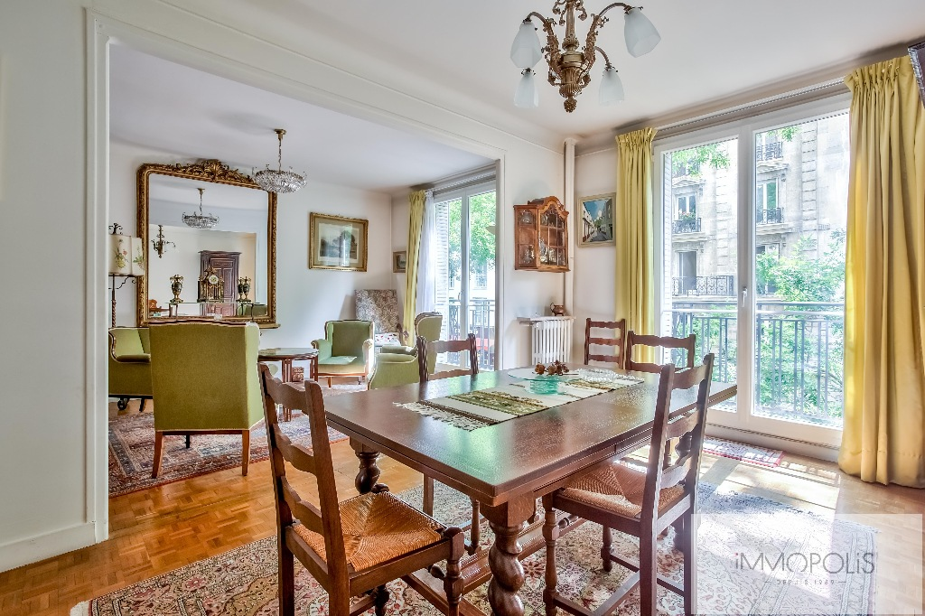Montmartre, rue Caulaincourt, beautiful apartment of 76 m² in 2nd floor with elevator, beautiful volumes! 4