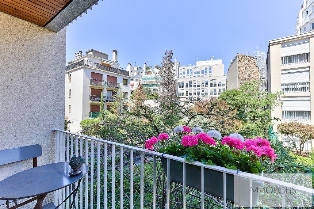 Quartier des Huissiers (proche Pont de Neuilly) : bel appartement traversant sur rue très calme et sur jardins, avec deux terrasses, cave et parking ! 7