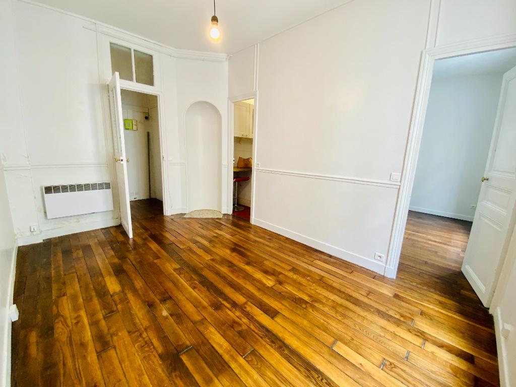 Appartement Paris 2 pièce(s) 34.32 m2 2