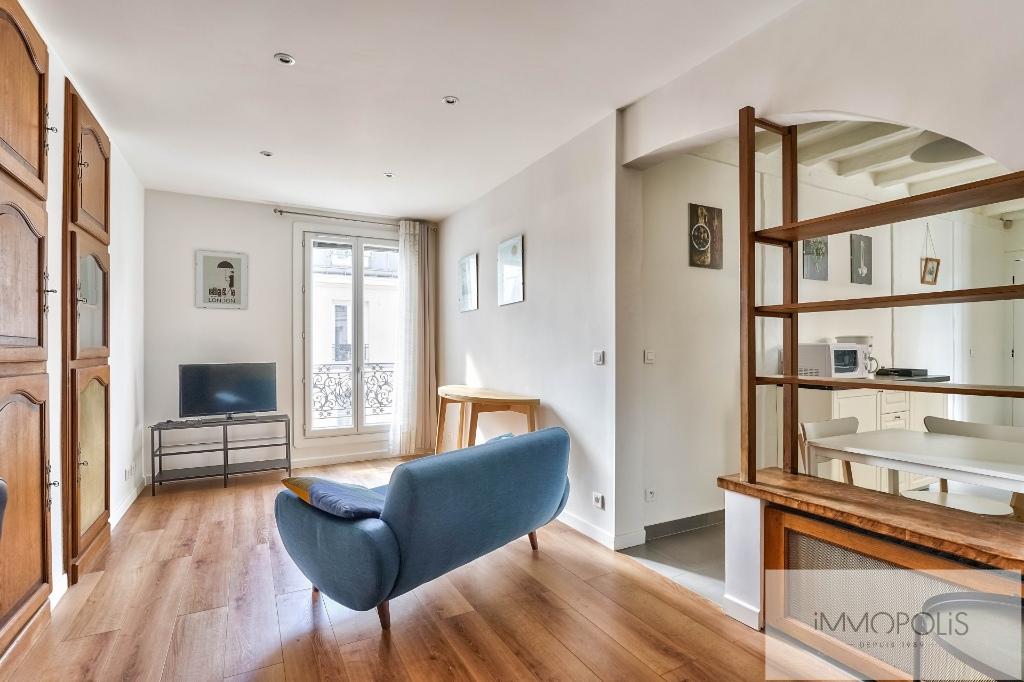 ANGLE RUE FRANCOEUR/RUE DES SAULES – 2 pièces en étage élévé. 2