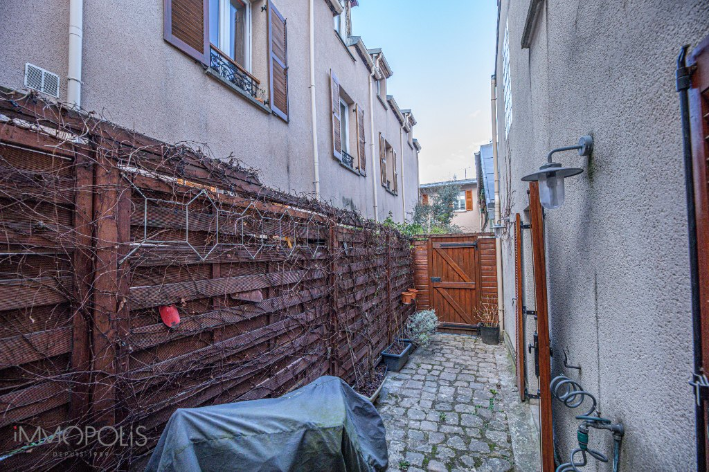 Town house of 107m² in the heart of Garibaldi 9