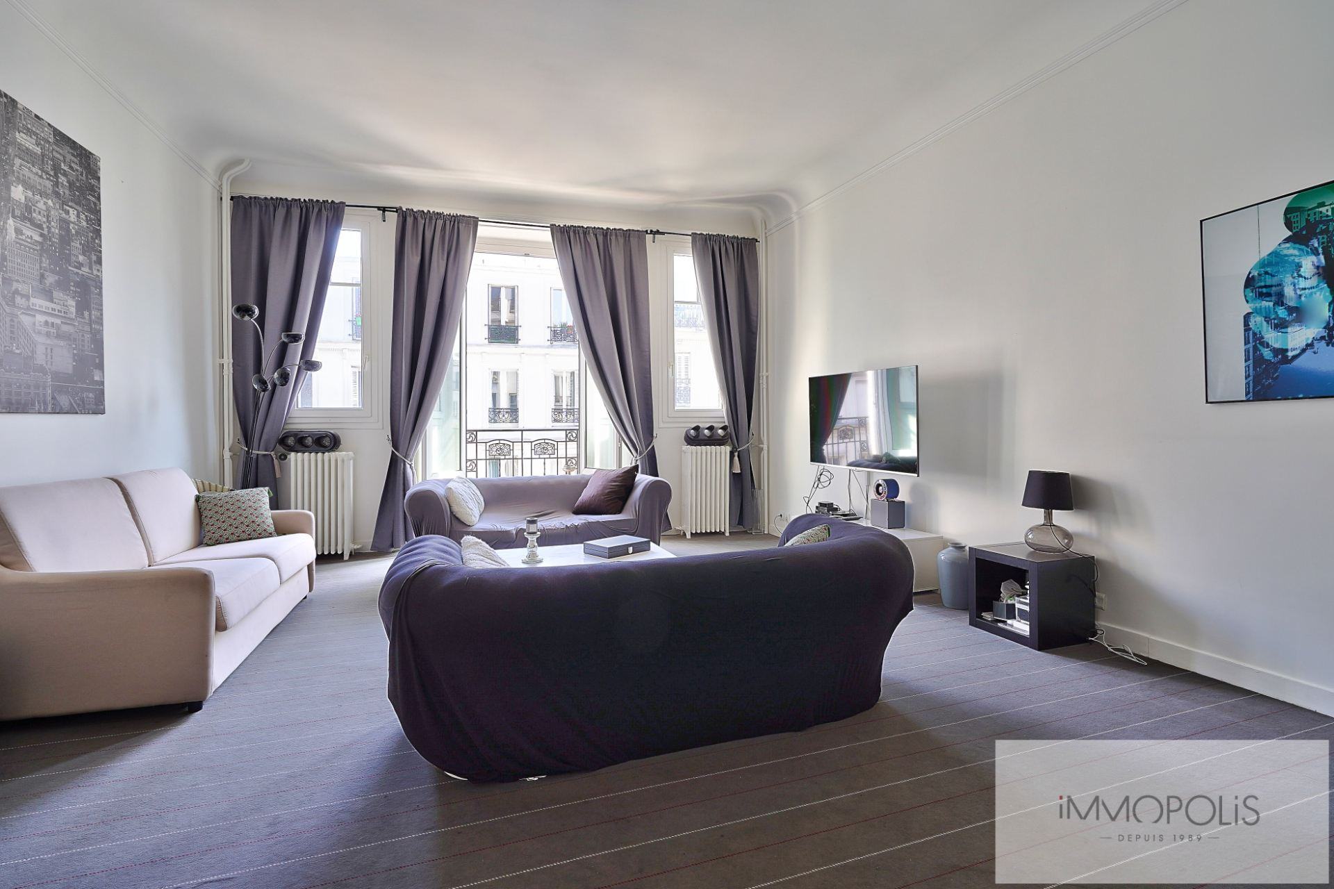 Exclusivity rue des Abbesses A beautiful two rooms of 64 m2 3