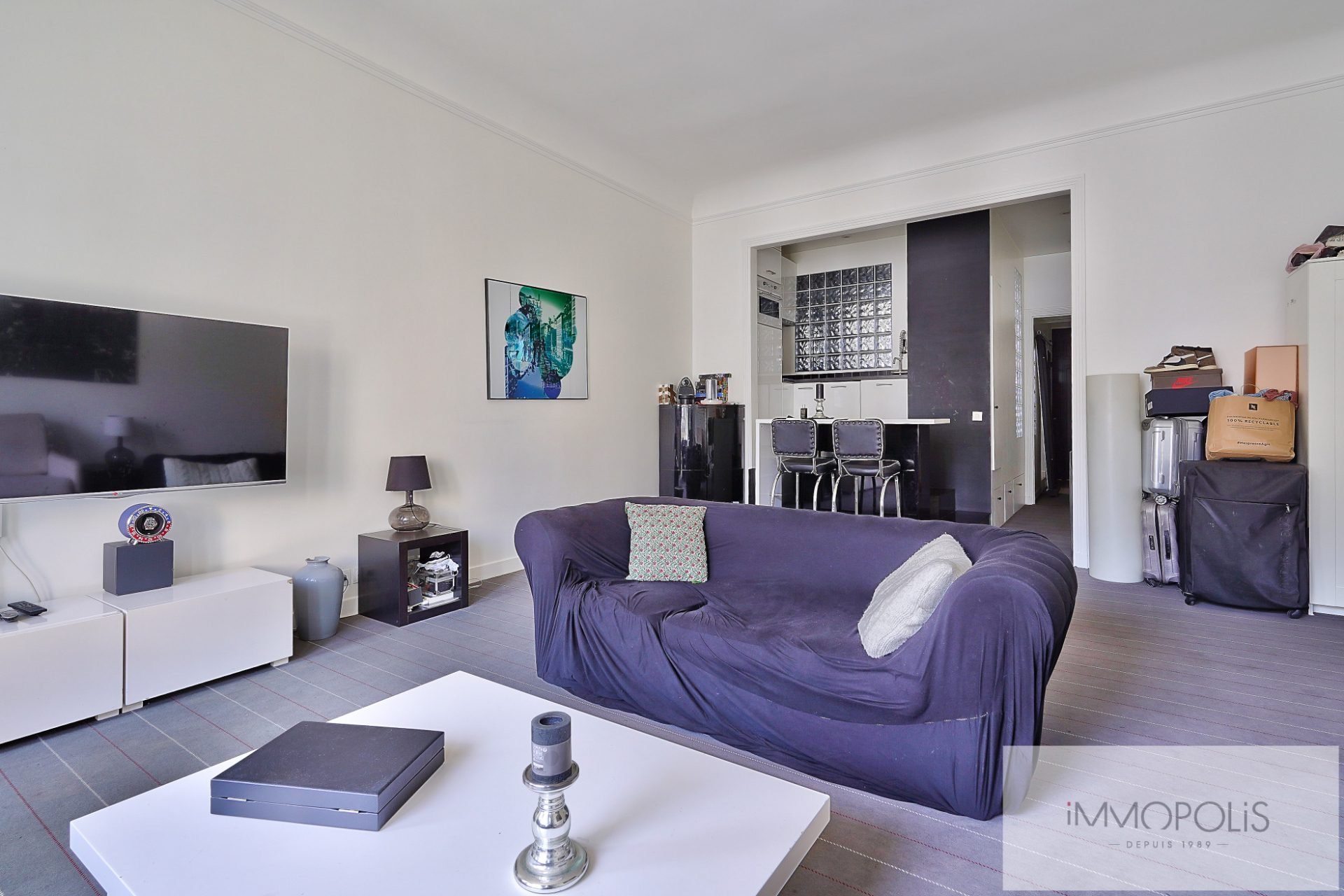 Exclusivity rue des Abbesses A beautiful two rooms of 64 m2 5