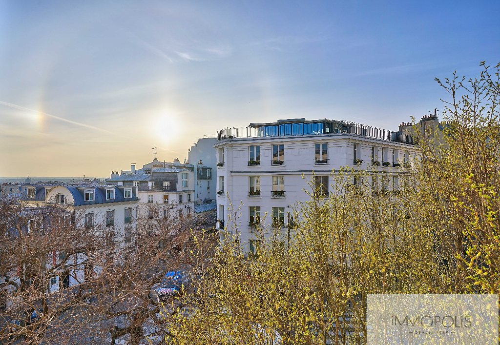 Apartment with unobstructed views, Abbesses Paris XVIII. 1