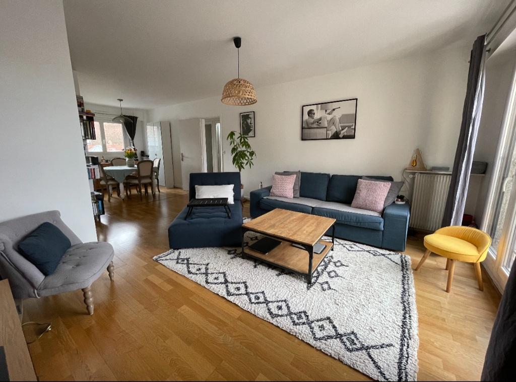 2 rooms – 63.72 m² – Paris 18th 1