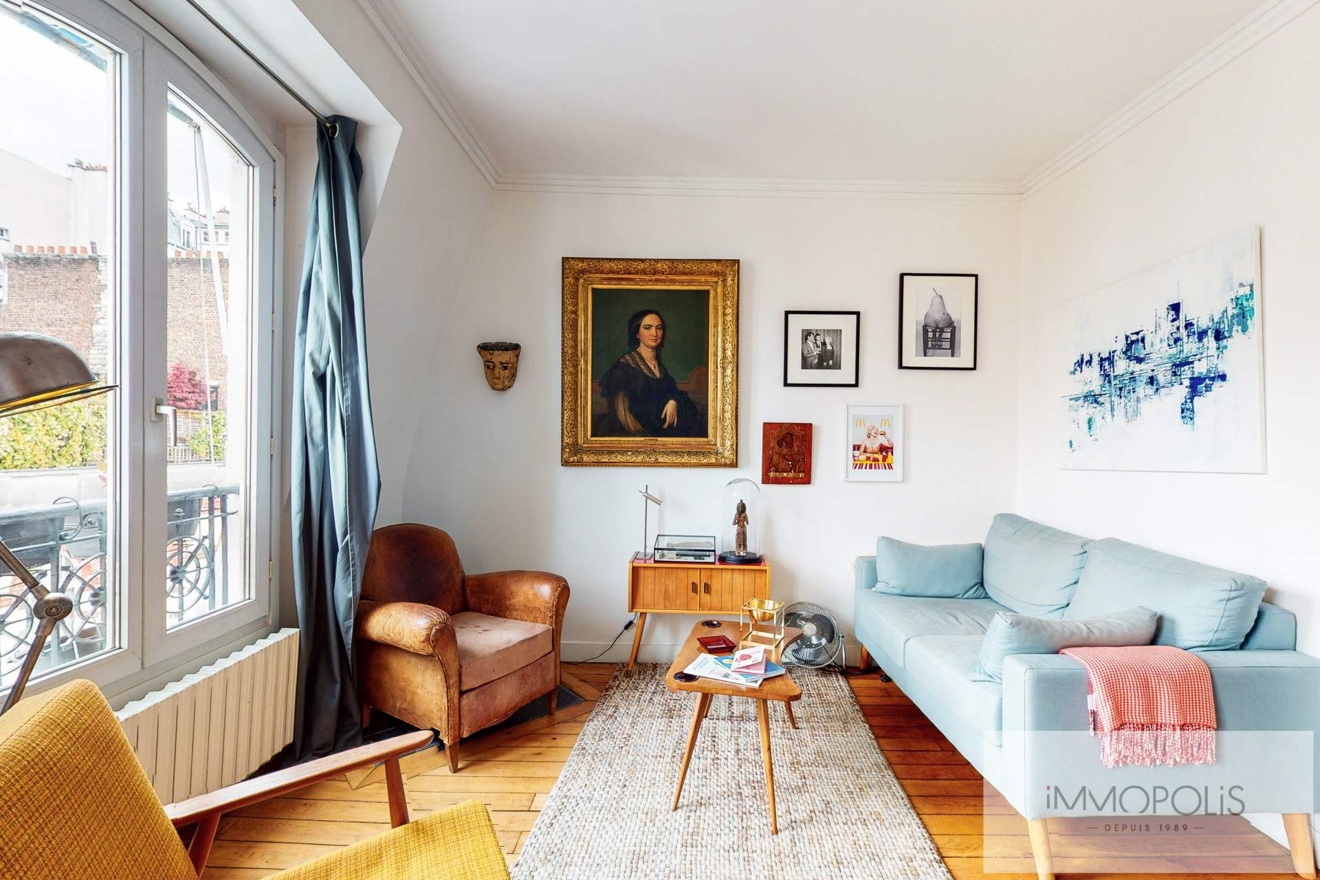 Charming apartment in Montmartre on top floor with unobstructed view. 1