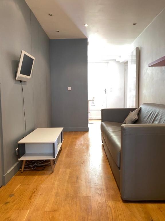 Appartement avec terrasse Paris 2 pièce(s) 32 m2 2