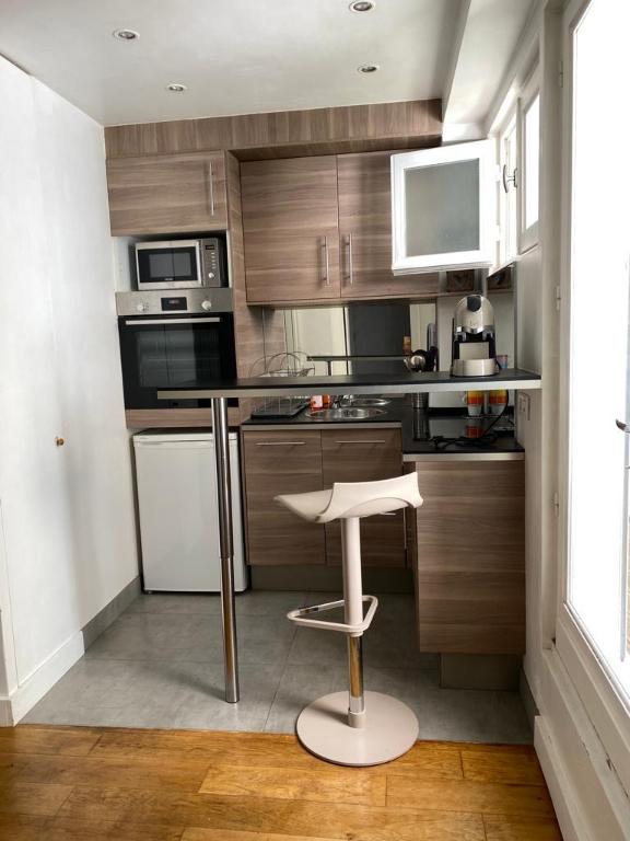 Appartement avec terrasse Paris 2 pièce(s) 32 m2 4