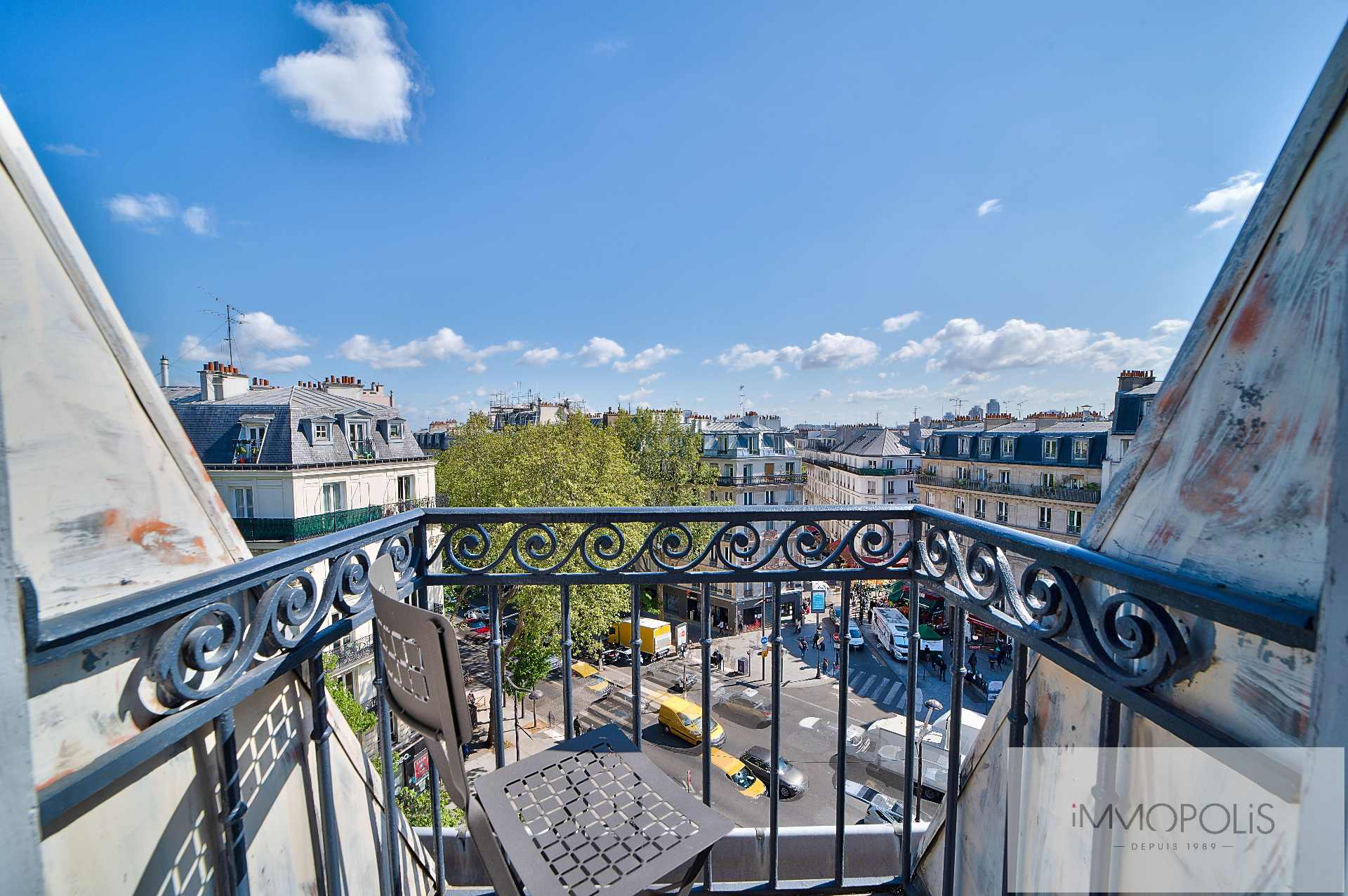 Beautiful 2 rooms in 6th and last floor not overlooked, full sun, with 2 balconies! 1