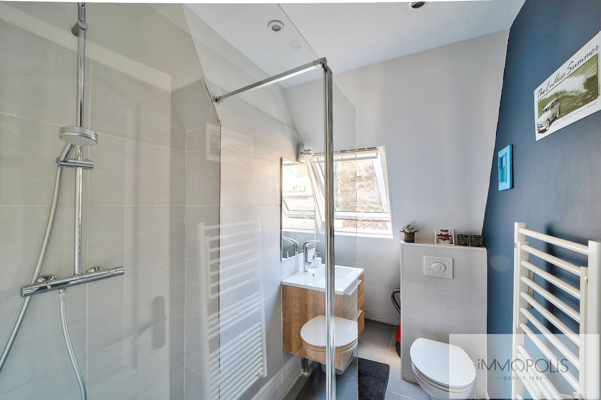 Beautiful 2 rooms in 6th and last floor not overlooked, full sun, with 2 balconies! 8