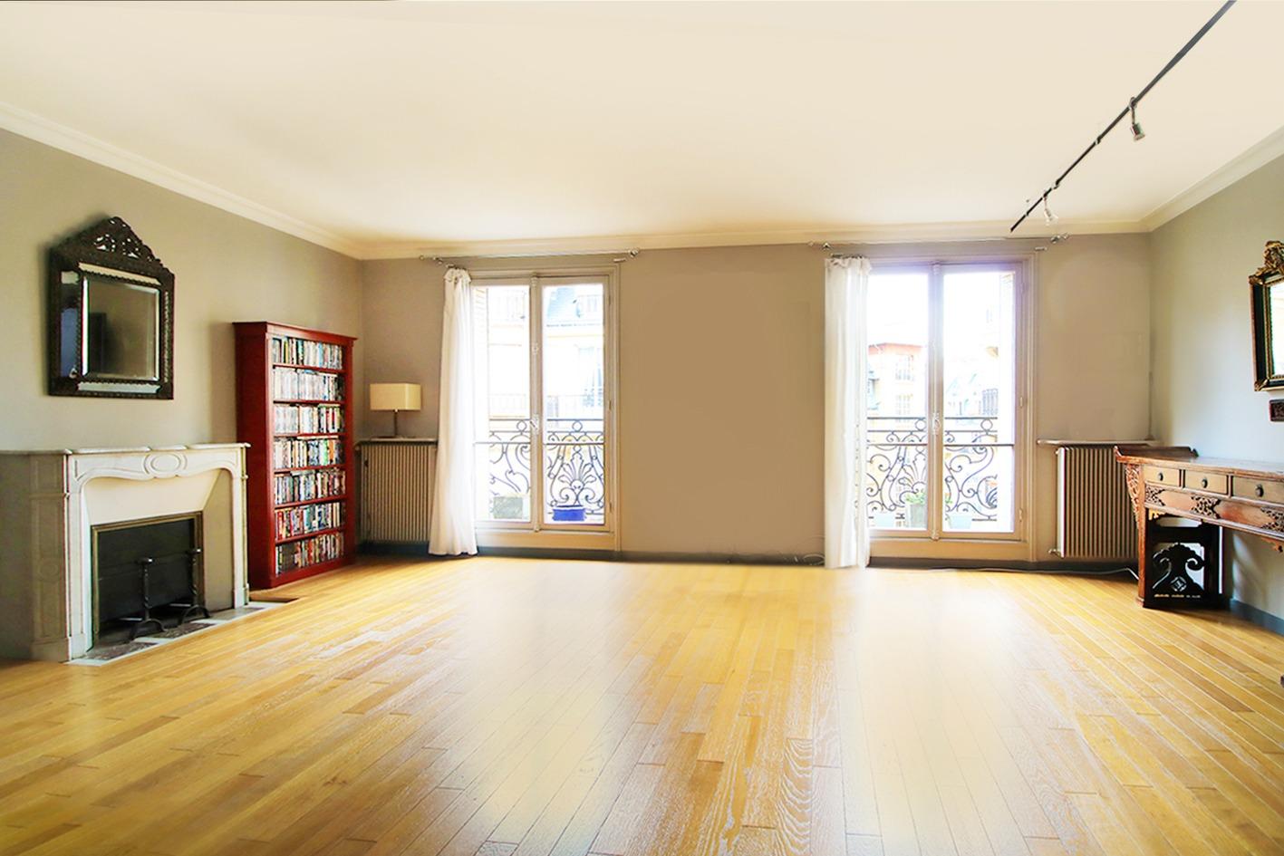 Damretont district- Beautiful 5p of charm, high floor, shining balcony 1