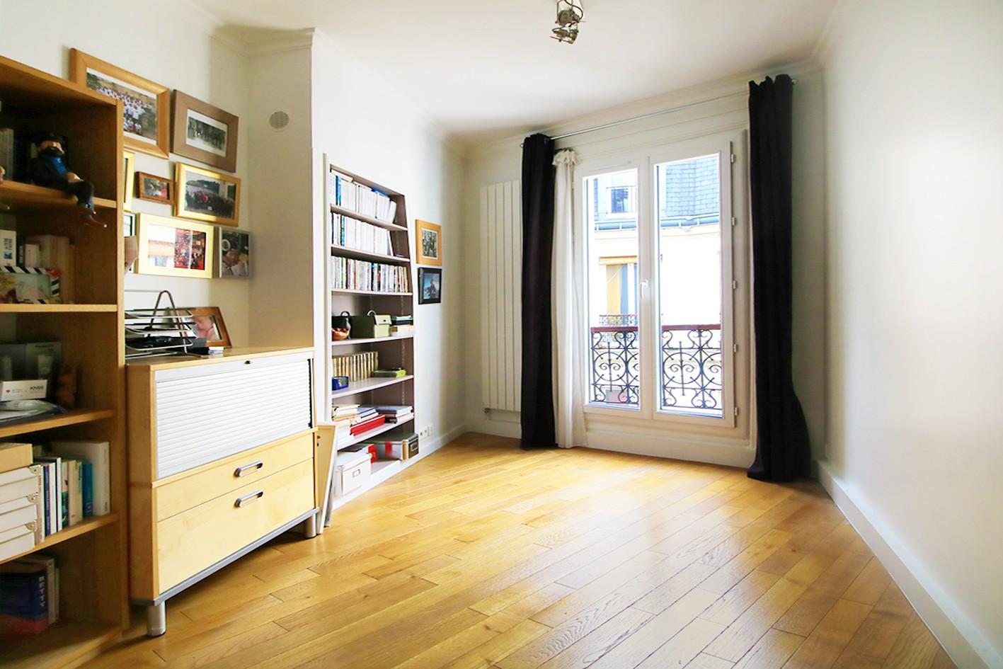 Damretont district- Beautiful 5p of charm, high floor, shining balcony 6