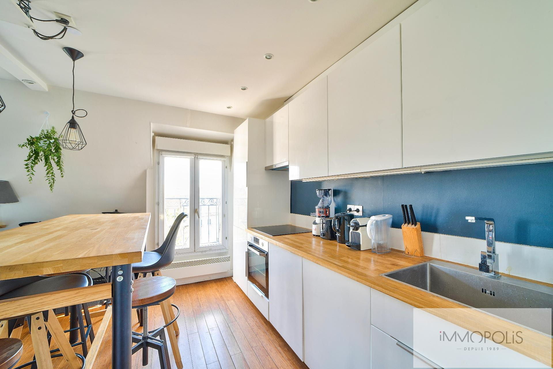 Beautiful 2 rooms in 6th and last floor not overlooked, full sun, with 2 balconies! 7
