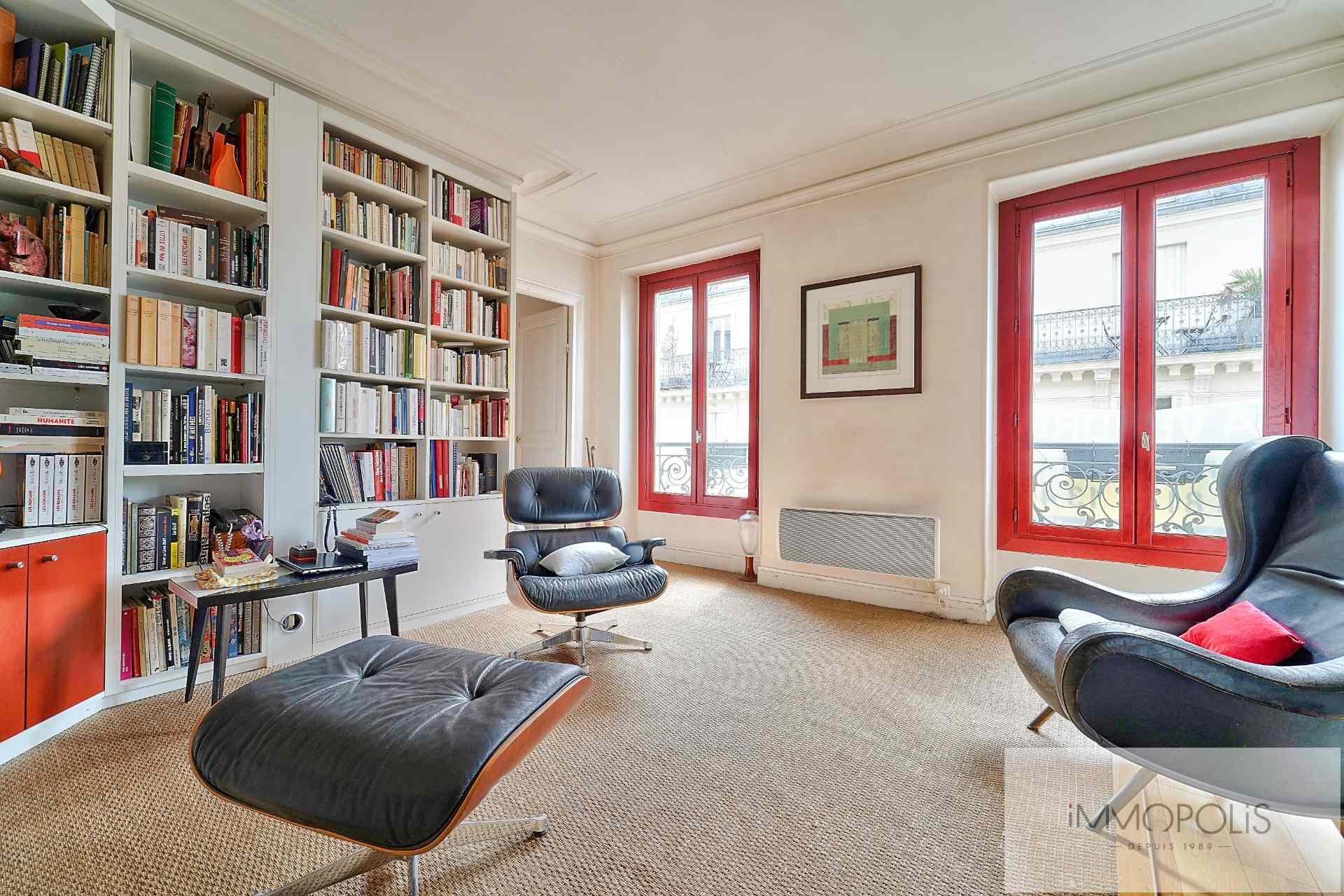 Rue d'Orsel Family Apartment of 67 m2 1