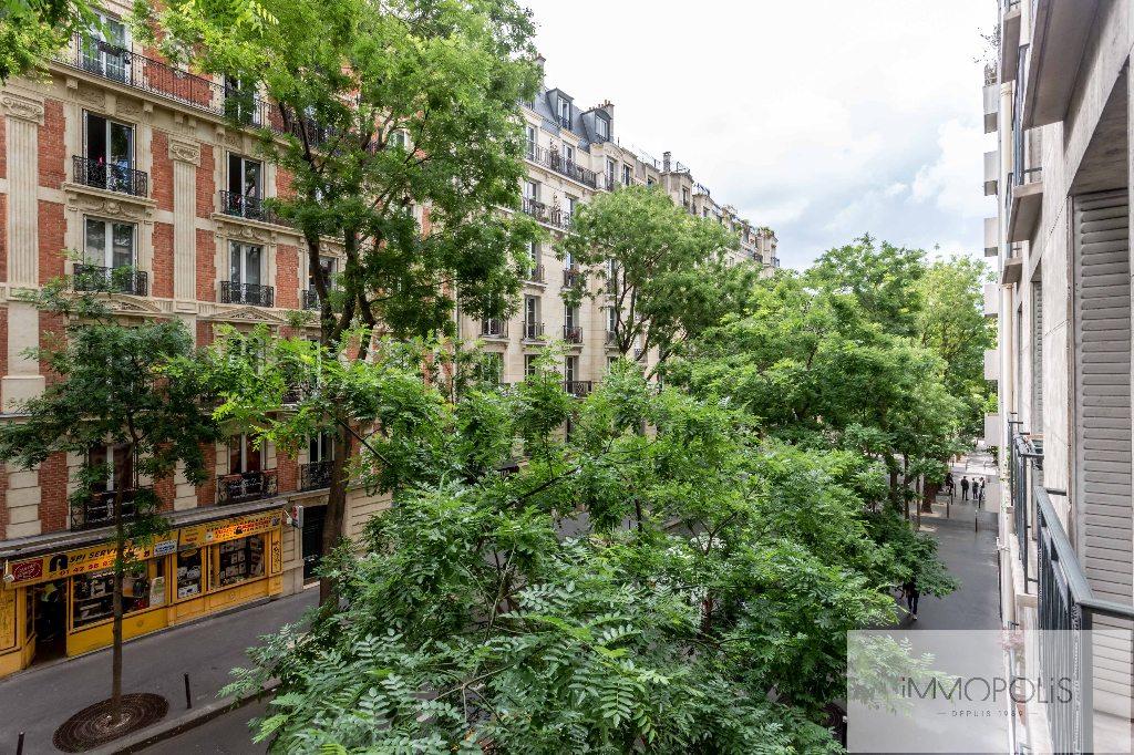 Montmartre, rue Caulaincourt, bel appartement de 76 M² en 2e étage avec ascenseur, beaux volumes ! 1